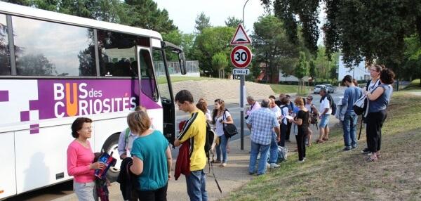Bus-des-Curiosités-Public