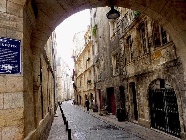 balade-bordeaux-medieval-arche
