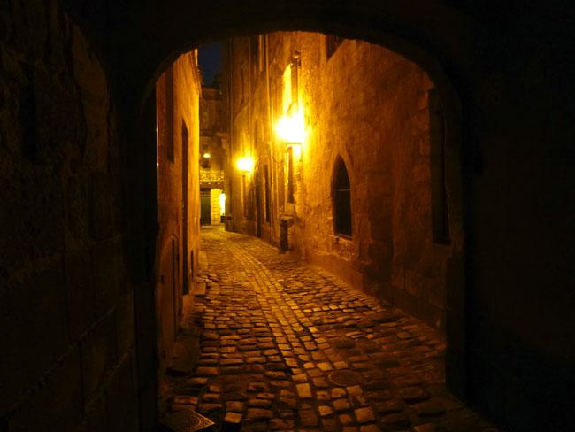 balade-bordeaux-nuit-ruelle